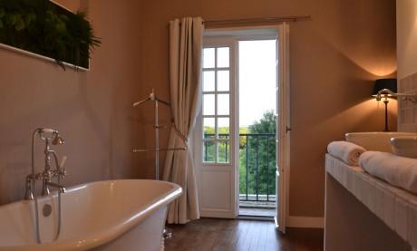 Chambre Bertrand du Guesclin salle de bain