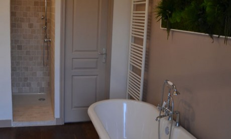 Room Bertrand du Guesclin Bathroom